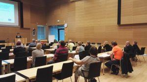 Maarit Teuri kertoo PAIKAL-hankkeesta Salon kaupungintalolla 10.8.2016.